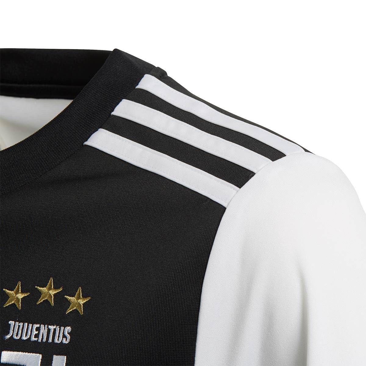 de8605375f808 Popis · Na stiahnutie · Podobný tovar. Detský domáci dres Juventus FC #7  RONALDO (sezóna 2019-2020). Originálny licencovaný produkt Adidas.